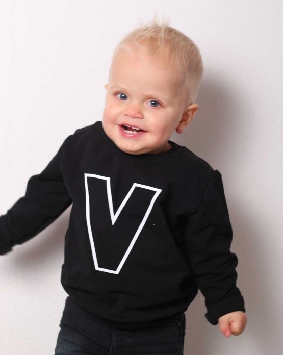 sweater-letter-zwart